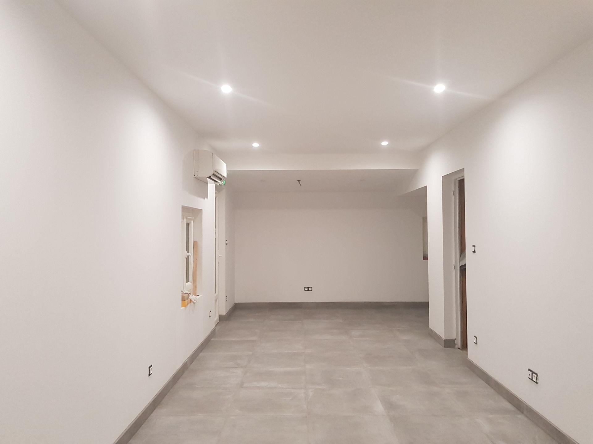 Création bureau peinture et carrelage Pertuis après