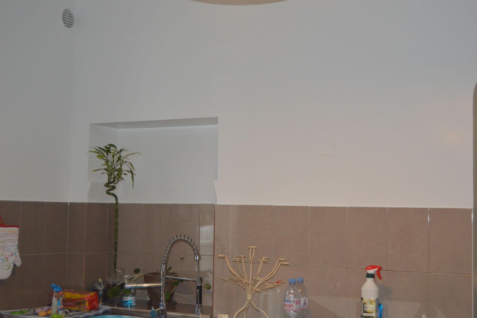 Rénovation peinture cuisine la Tour d'Aigues après
